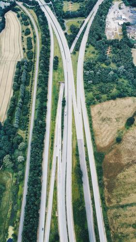 Vogelperspektive I Verkehr Verkehrsmittel Verkehrswege Personenverkehr Öffentlicher Personennahverkehr Berufsverkehr Güterverkehr & Logistik Straßenverkehr