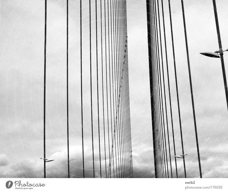 Schrägseilbrücke Himmel Wolken Linie Zufriedenheit Wetter Brücke Verkehr Sicherheit Güterverkehr & Logistik Klima fest Frankreich Stress Verkehrswege Stahlkabel