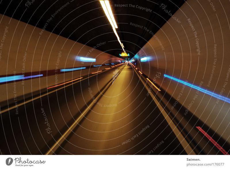 Tunnelblick Farbe Ferne Straße dunkel Bewegung Lampe Linie Schilder & Markierungen Verkehr Geschwindigkeit Sicherheit fahren Ende Autobahn Röhren Müdigkeit