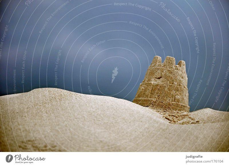 Meerblick Himmel Natur Ferien & Urlaub & Reisen Landschaft dunkel Küste Architektur Spielen Sand Wetter bedrohlich Baustelle Hügel Burg oder Schloss Ostsee
