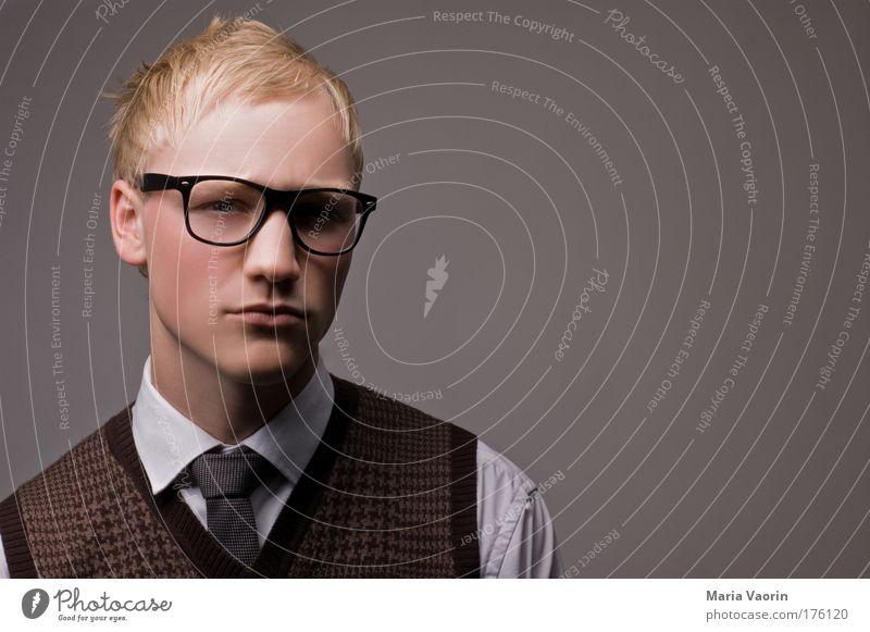 Mmhhh... die Quadratwurzel aus 10 = Porträt Mensch Jugendliche Mann Ordnung Erwachsene Denken blond Haare & Frisuren Erfolg maskulin Studium Brille retro Bildung Student