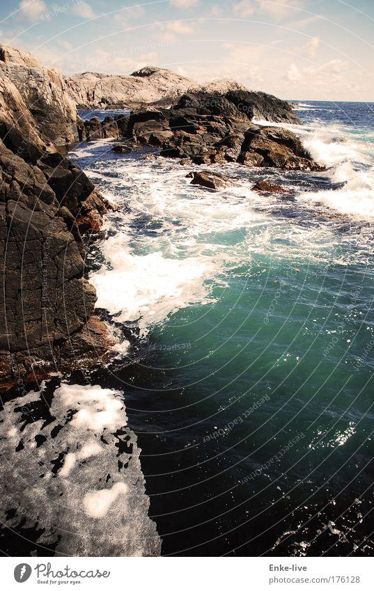 Lindesnes 1 Farbfoto Außenaufnahme Luftaufnahme Menschenleer Textfreiraum rechts Tag Schatten Vogelperspektive Landschaft Wasser Sommer Schönes Wetter Felsen