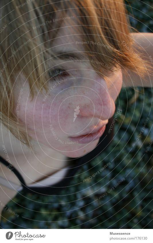 Winterhaut Frost frieren kalt Frau Mädchen Feld Blick Haut Sehnsucht Gesicht Sonnenuntergang