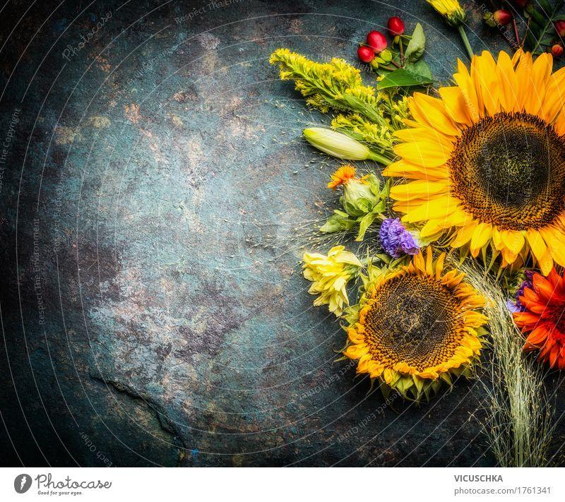 Herbst Blumenstrauß mit Sonnenblumen Stil Design Sommer Dekoration & Verzierung Feste & Feiern Erntedankfest Natur Pflanze Blatt Blüte retro gelb