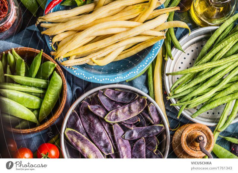 Bunte Erbsen- und Bohnenschoten Lebensmittel Gemüse Ernährung Bioprodukte Vegetarische Ernährung Diät Schalen & Schüsseln Stil Design Gesunde Ernährung Tisch