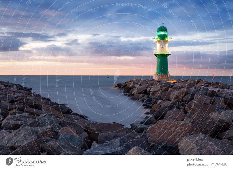 Leuchtturm (Leuchtfeuer) in Warnemünde bei Rostock Ferien & Urlaub & Reisen Tourismus Sommer Sommerurlaub Natur Landschaft Wasser Nachthimmel Horizont