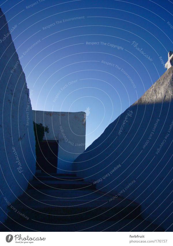 Heavens Door Himmel weiß blau ruhig Himmel (Jenseits) Treppe Kirche Klarheit Christliches Kreuz aufwärts Schönes Wetter Sinnesorgane Reinheit aufgehen
