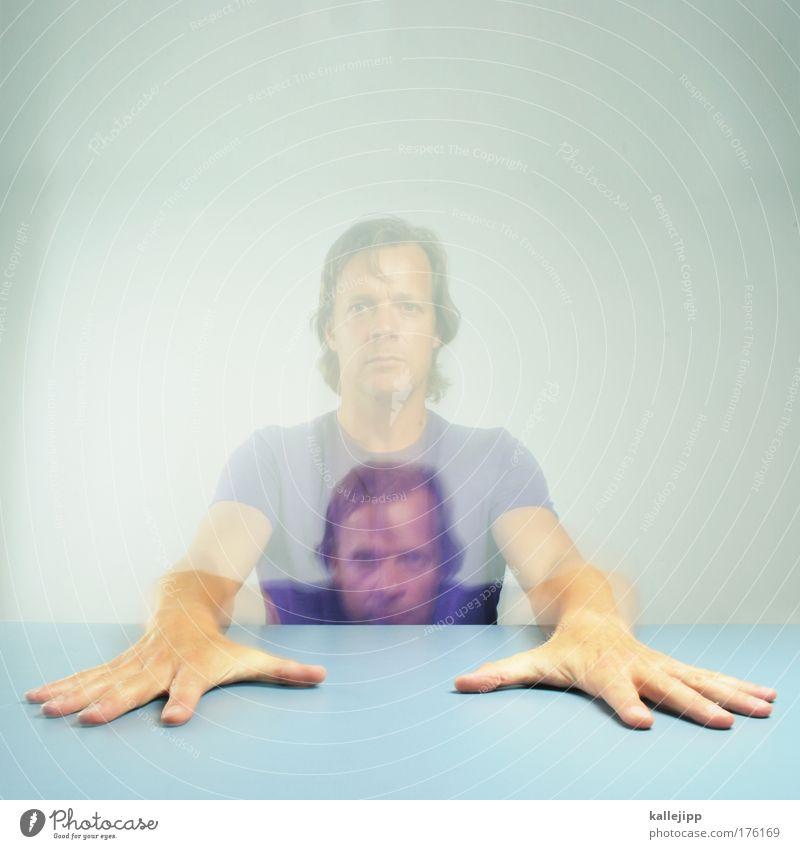 textildruck Farbfoto mehrfarbig Innenaufnahme Studioaufnahme Experiment Kunstlicht Blitzlichtaufnahme Licht Bewegungsunschärfe Porträt Oberkörper Mensch