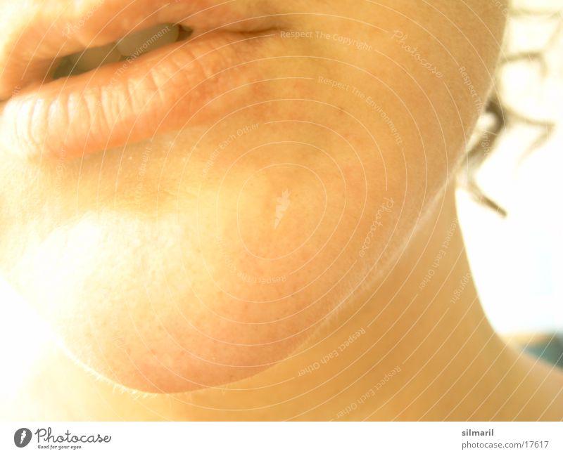 Kinn Haut Gesicht Bad Frau Erwachsene Mund Lippen Locken Körperpflege Hals Farbfoto