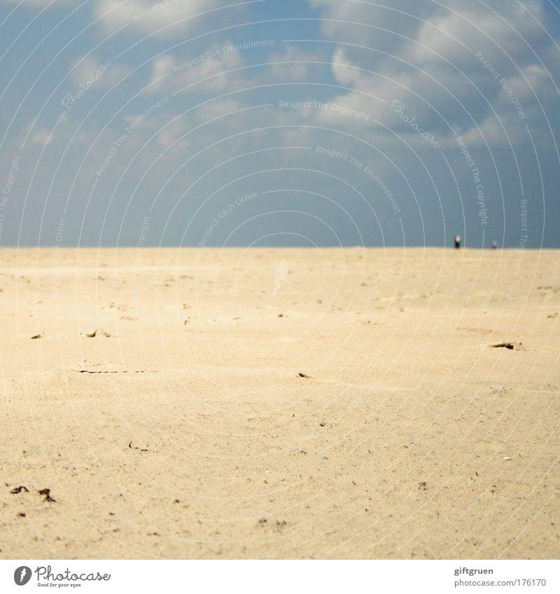 lost in emptiness Mensch Himmel Meer Sommer Strand Ferien & Urlaub & Reisen Einsamkeit Ferne Erholung Küste klein Ausflug leer Insel Tourismus