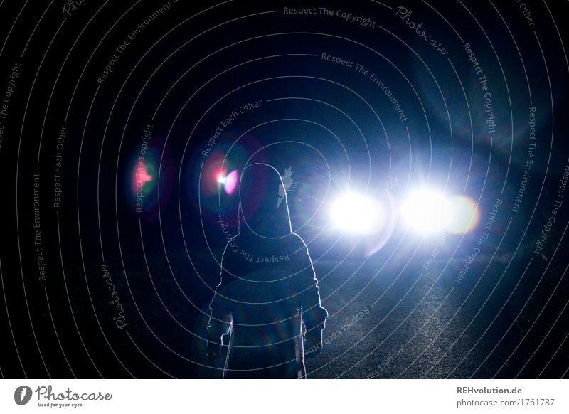 O O Mensch Kind 1 3-8 Jahre Kindheit Verkehr Verkehrsmittel Autofahren Straße Fahrzeug PKW dunkel gruselig blau schwarz Verantwortung Angst Entsetzen Todesangst