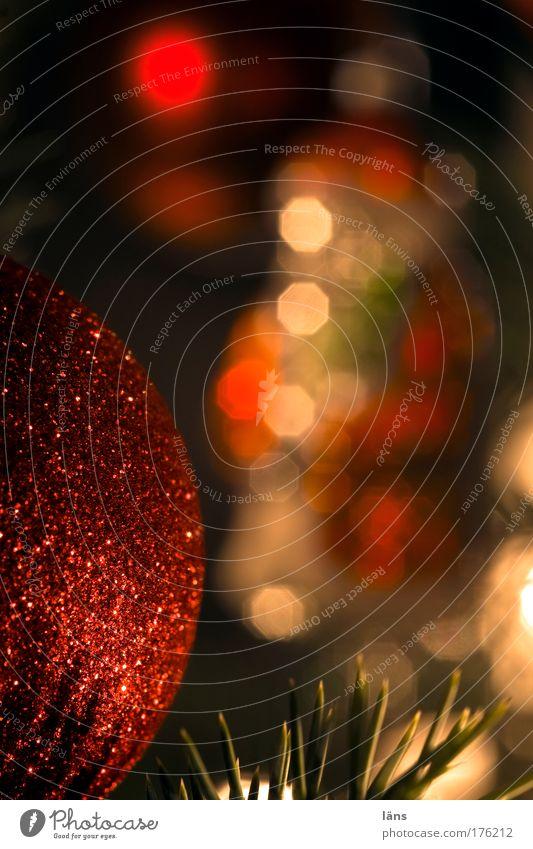 alle Jahre wieder Feste & Feiern Glas rot Stimmung Vorfreude Glaube Kitsch Kugel Tannennadel Baumschmuck Dekoration & Verzierung glanzvoll Weihnachten & Advent