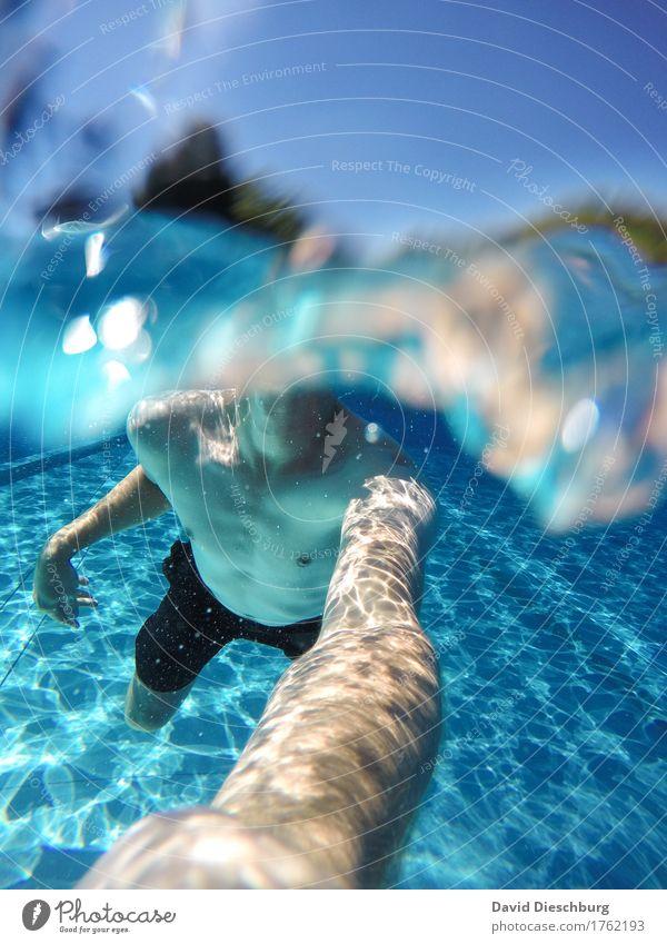 Into the blue Ferien & Urlaub & Reisen Ferne Sommerurlaub Meer Insel Wellen Wassersport Schwimmen & Baden maskulin Junger Mann Jugendliche Leben Körper 1 Mensch