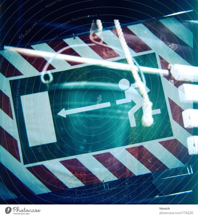 100 - Last Exit to Brooklyn Farbfoto Experiment Lomografie Eimer Schilder & Markierungen Hinweisschild Warnschild Angst Fluchtweg rennen Doppelbelichtung analog