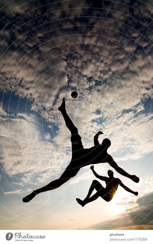 Sepak Takraw II Mensch Himmel Sonne Sommer Freude Wolken Sport Freiheit springen Gesundheit Freizeit & Hobby außergewöhnlich ästhetisch Silhouette Unendlichkeit Leidenschaft