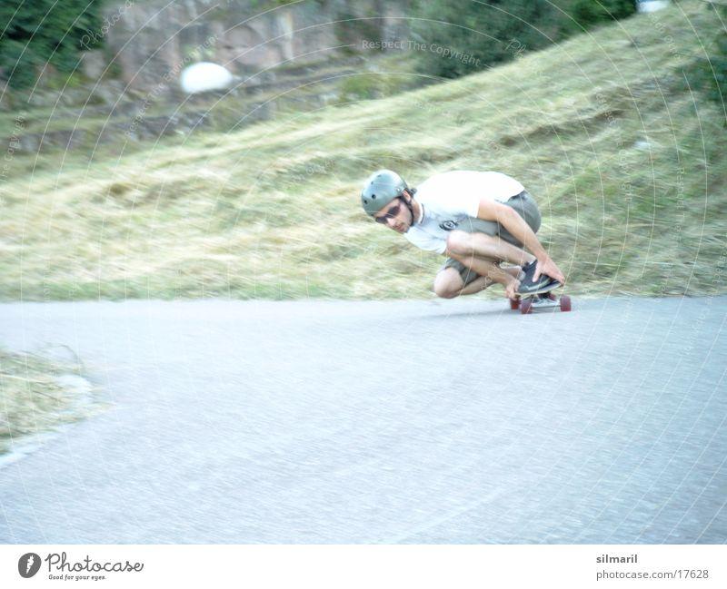 In action II Freizeit & Hobby Sport Jeanshose Helm Coolness Geschwindigkeit Skateboarding Aktion Asphalt longboarden fun Rolle Farbfoto