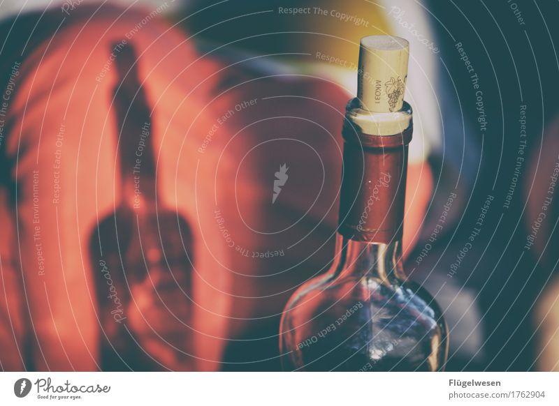 It's Wine-Time Lebensmittel Ernährung Getränk trinken Alkohol Wein Flasche Weinberg Weinflasche Weinglas Weintrauben Weinbau Weinlese Weingut Weinkeller