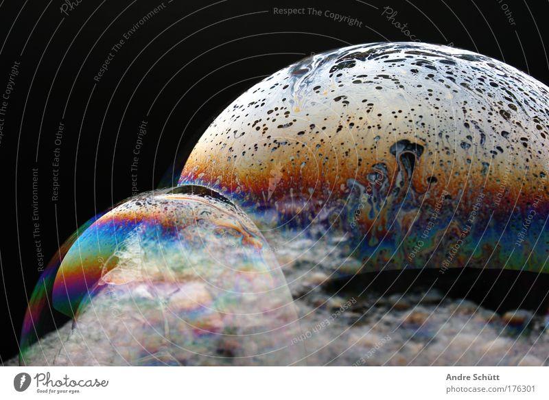 Planet Soap IV Farbfoto mehrfarbig Studioaufnahme Nahaufnahme Menschenleer Textfreiraum links Textfreiraum oben Hintergrund neutral Kunstlicht