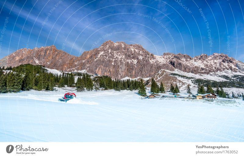 Die österreichischen Alpen im Winter Ferien & Urlaub & Reisen Weihnachten & Advent Baum Landschaft Freude Wald Berge u. Gebirge kalt Straße Schnee Stein Felsen