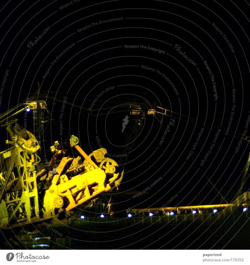 zerschMELT!en alt Freude schwarz gelb Feste & Feiern Tanzen Fröhlichkeit leuchten historisch Vergangenheit Lebensfreude Maschine Surrealismus Kohle