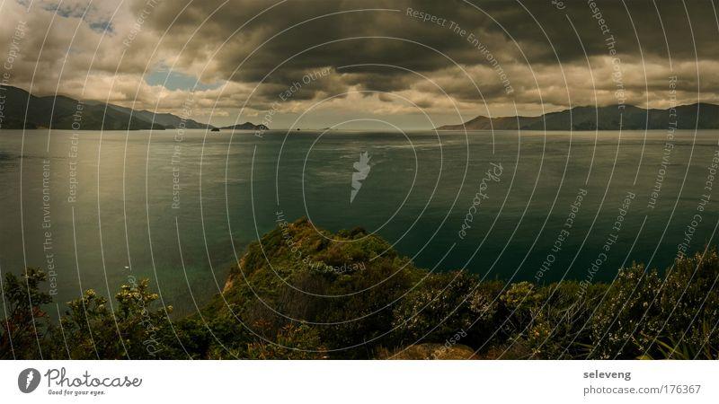Zwischen den Welten Wasser Meer Wolken Berge u. Gebirge groß Bucht Gewitterwolken