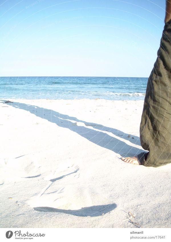 Lonesome on the beach II Himmel Mann Wasser Ferien & Urlaub & Reisen Sonne Sommer Meer Strand ruhig Ferne Erholung Sand Denken Horizont Wellen Freizeit & Hobby