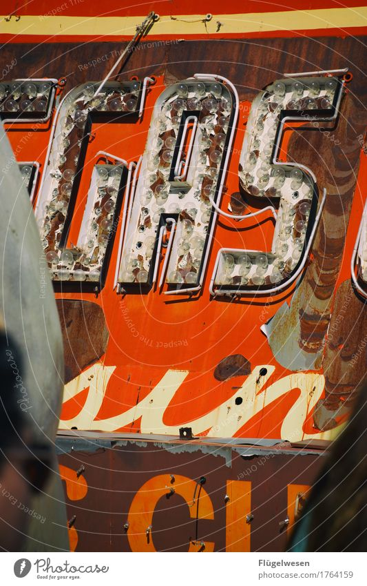GAS Lampe Werbebranche Schriftzeichen alt Beleuchtung leuchten Farbe Farbstoff Werbung Neonlicht Leuchtreklame Buchstaben Leuchtbuchstabe Werbeschild werben