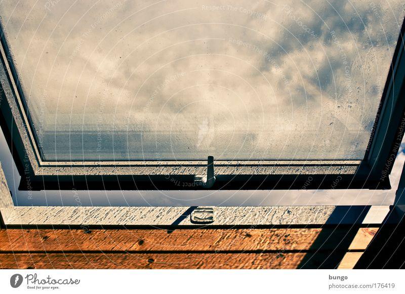 humidus sol Sonne Fenster Traurigkeit Luft Regen Wetter Klima frisch Wassertropfen Sehnsucht Langeweile Fensterscheibe Fernweh Gegenteil Dachboden aufmachen