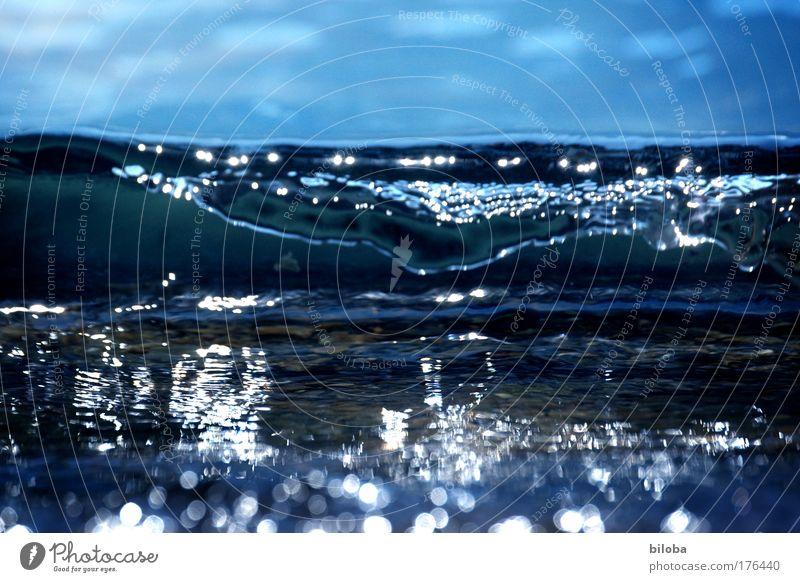 Tsunami Natur Wasser schön Himmel weiß Meer blau Sommer Gefühle Küste Wellen Wind Umwelt Kraft gefährlich Klima