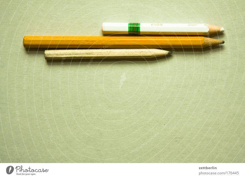Stifte mit dazugehörigem Textfreiraum Berufsausbildung Azubi Praktikum Studium Arbeit & Erwerbstätigkeit Arbeitsplatz 3 Mensch Schreibstift Holz zeichnen