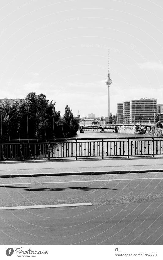 berlin Ferien & Urlaub & Reisen Tourismus Ausflug Städtereise Himmel Schönes Wetter Fluss Berlin Stadt Hauptstadt Menschenleer Hochhaus Brücke Bauwerk Gebäude