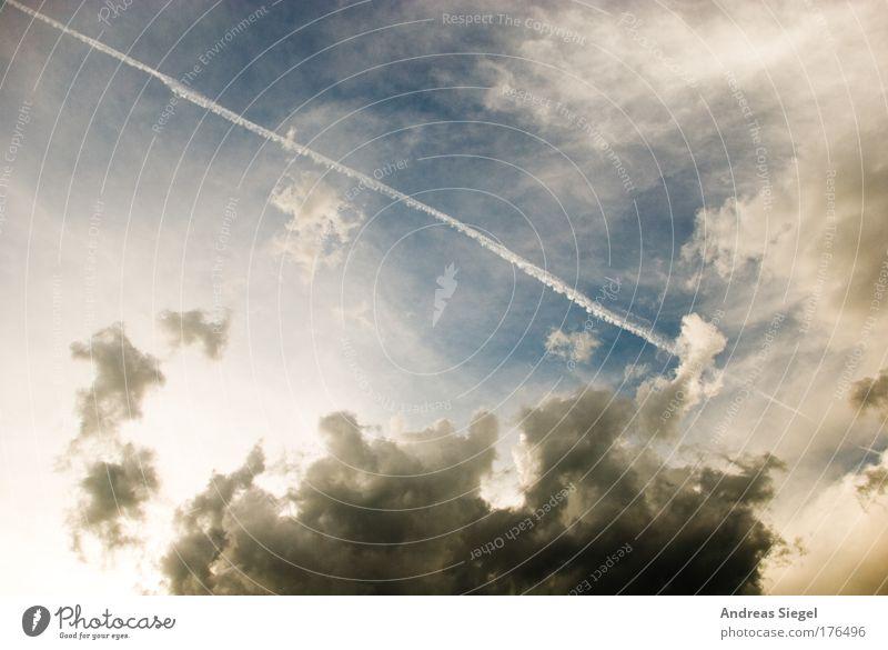 Sommerwolken Natur blau weiß Sommer Wolken Umwelt grau Luft Wetter Klima Schönes Wetter Klimawandel schlechtes Wetter Kondensstreifen nur Himmel