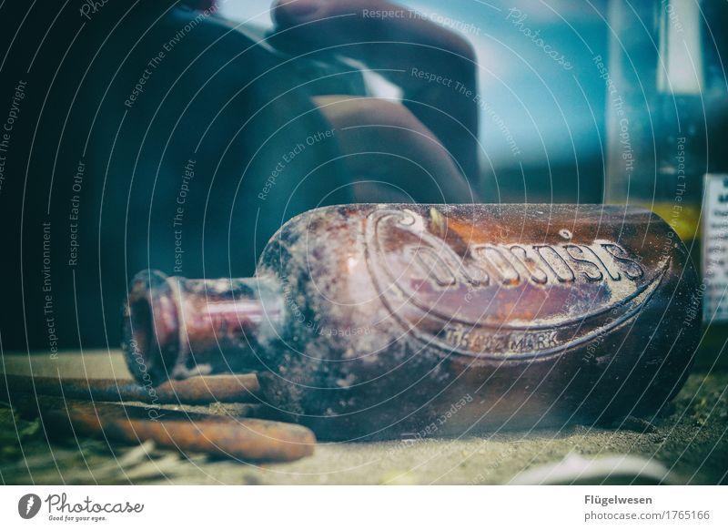 Flasche leer (zwei) Bier Wein Spirituosen Wilder Westen Western Westernstadt Geisterhaus Geisterstadt USA Amerika ausgestorben Menschenleer Einsamkeit Unbewohnt