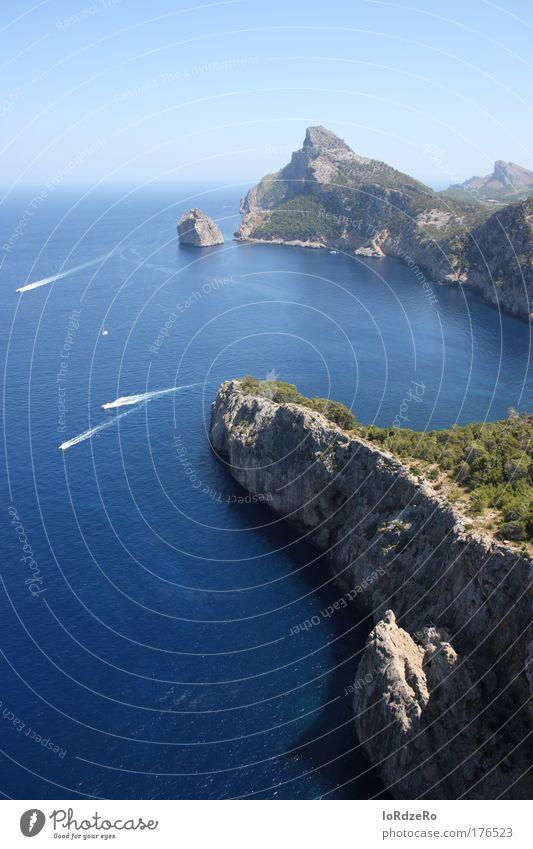 Blau Natur Wasser Himmel Meer blau Sommer Freude Erholung Berge u. Gebirge Glück Wärme Landschaft Erde Kraft Wellen Küste