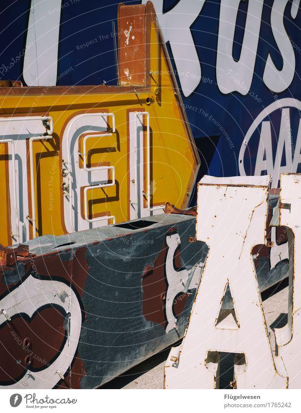 TELA Lampe Werbebranche Schriftzeichen alt Beleuchtung leuchten Farbe Farbstoff Werbung Neonlicht Leuchtreklame Buchstaben Leuchtbuchstabe Werbeschild werben