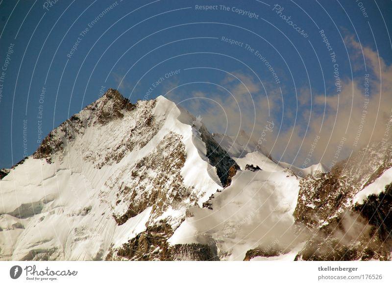 Schmaler Grat Natur blau weiß Landschaft Wolken Winter Berge u. Gebirge Schnee braun Luft Tourismus Wind bedrohlich Gipfel Alpen Schneebedeckte Gipfel