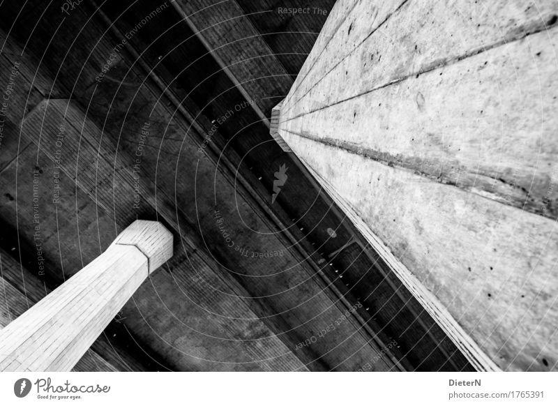 Beton Menschenleer Brücke Tunnel Bauwerk Gebäude Architektur Autobahn grau schwarz weiß Betonplatte Säule Strukturen & Formen Linie diagonal Schwarzweißfoto