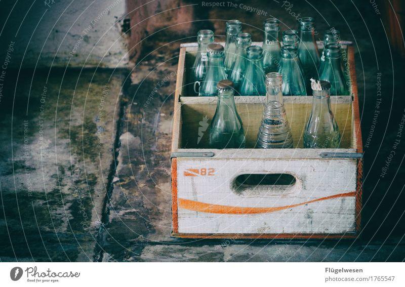 Durstlöscher in den 60ern Lebensmittel Getränk trinken Erfrischungsgetränk Trinkwasser Limonade Saft Alkohol Spirituosen Tequila Bier Geschirr Flasche Glas