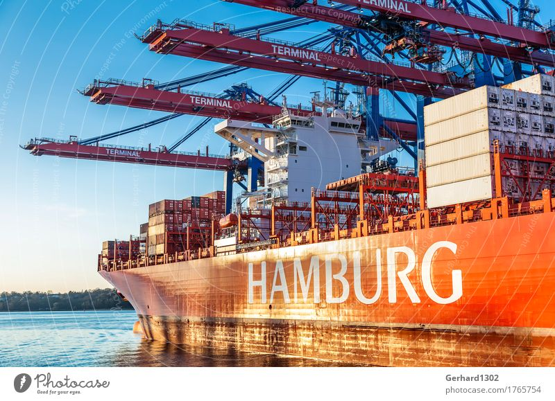 Containerschiff beim Beladen in Hamburg Hafenstadt Sehenswürdigkeit Verkehr Verkehrsmittel Verkehrswege Schifffahrt Arbeit & Erwerbstätigkeit Tourismus