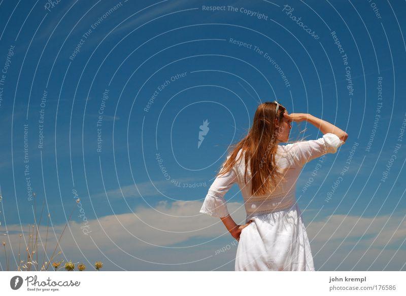 captain jane sparrow Mensch Jugendliche Himmel weiß blau Sommer Freude Ferien & Urlaub & Reisen ruhig Ferne Gras Freiheit träumen Zufriedenheit Erwachsene