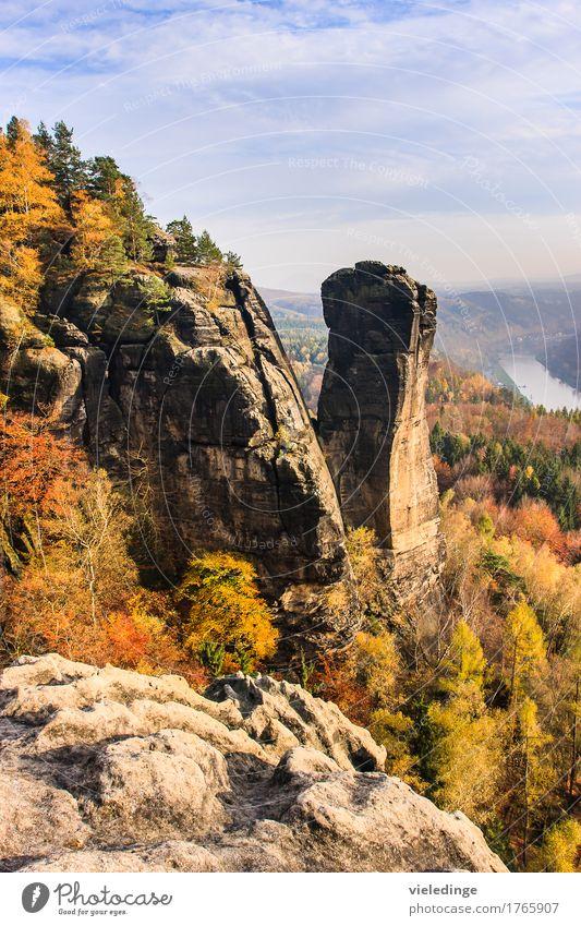 Blick auf den Teufelsturm und das Elbtal Ferien & Urlaub & Reisen Tourismus Berge u. Gebirge wandern Natur Landschaft Horizont Herbst Schönes Wetter Felsen
