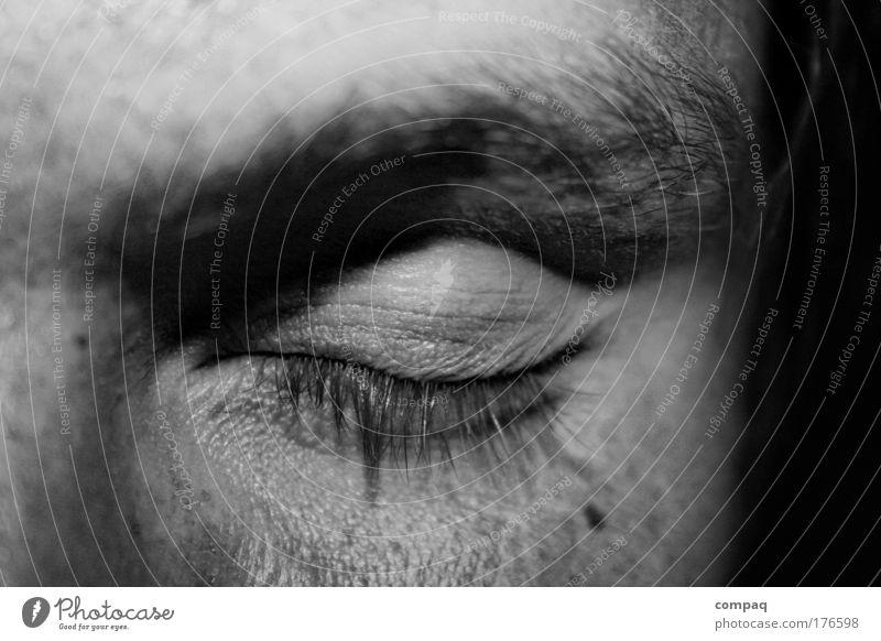 asleep Schwarzweißfoto Nahaufnahme Detailaufnahme Nacht Kontrast Zentralperspektive Blick Blick in die Kamera geschlossene Augen maskulin Gesicht schlafen