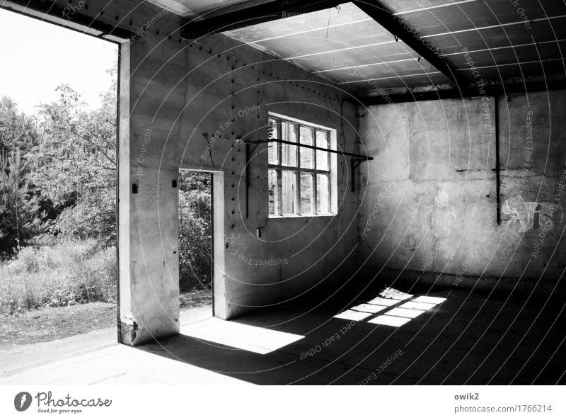 Aufgegeben alt Fenster Wand Gebäude Mauer Deutschland Fassade Metall Tür trist Technik & Technologie leer Beton Vergänglichkeit historisch Vergangenheit