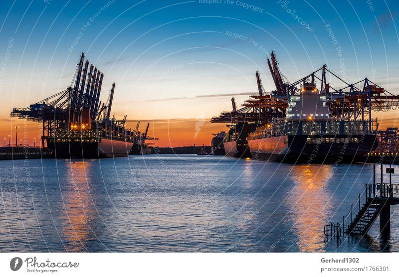 Container Port Hamburg Tourismus Sightseeing Städtereise Meer Wasser Nachthimmel Deutschland Europa Stadt Hafenstadt Industrieanlage Architektur