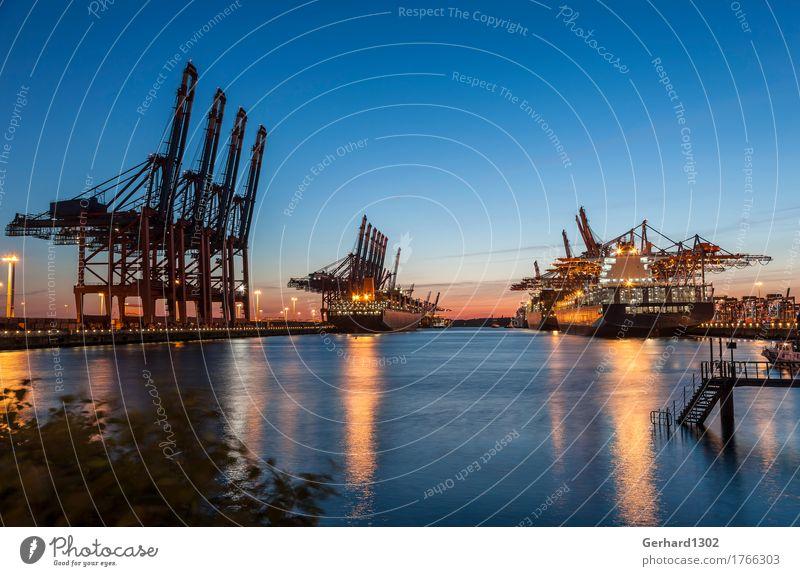 Containerhafen Hamburg am Abend Wasser Nachthimmel Hafenstadt Verkehr Güterverkehr & Logistik Schifffahrt Containerschiff Arbeit & Erwerbstätigkeit maritim