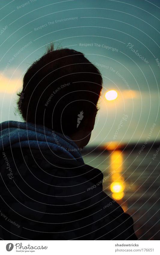 Ohne Titel Mensch Mann Sonne Meer Wolken ruhig Erwachsene Gefühle Kopf Küste Traurigkeit träumen Stimmung maskulin Hoffnung 18-30 Jahre