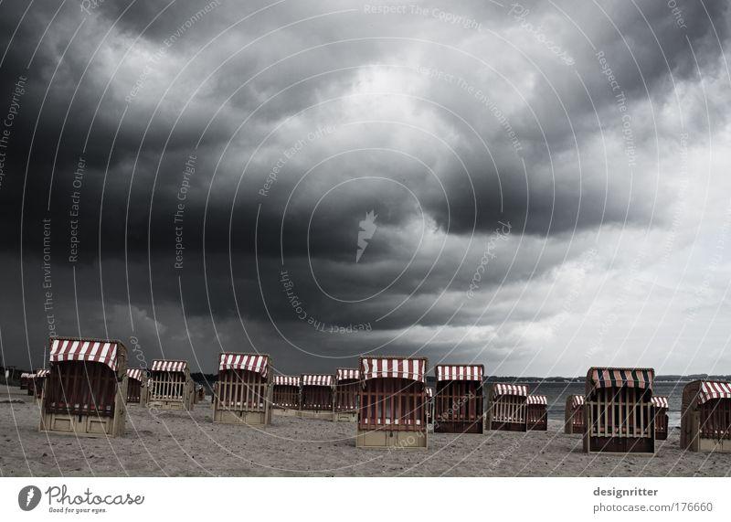 Urlaubswetter Mensch Sonne Ferien & Urlaub & Reisen Meer Sommer Strand Ferne Erholung Freiheit Regen Wetter Kraft Wind nass groß Insel
