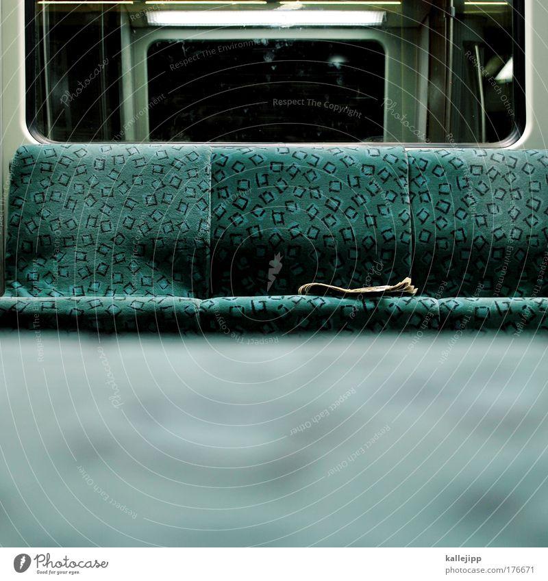 henriette bimmelbahn, fuhr noch nie nach einem plan ... Farbfoto Gedeckte Farben Innenaufnahme Nahaufnahme Detailaufnahme Menschenleer Textfreiraum unten Nacht