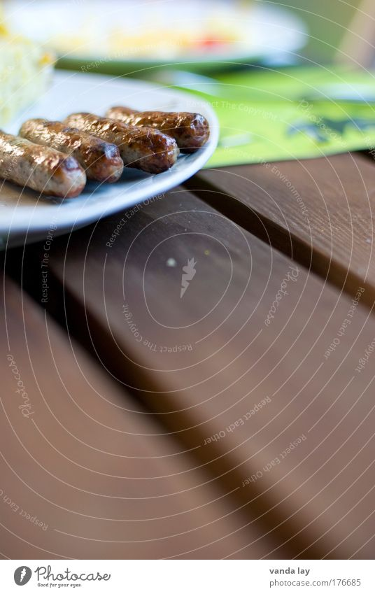 Grillsaison Farbfoto mehrfarbig Außenaufnahme Nahaufnahme Menschenleer Textfreiraum unten Textfreiraum Mitte Unschärfe Schwache Tiefenschärfe Lebensmittel