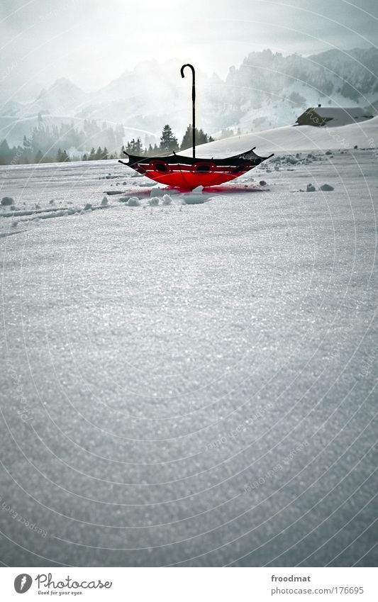 falschrum Farbfoto Gedeckte Farben mehrfarbig Außenaufnahme Menschenleer Tag Abend Weitwinkel Kunst Winter Klimawandel Wetter Nebel Schnee Alpen